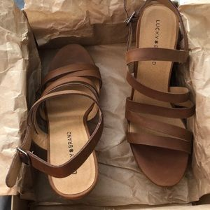 Lucky Brand almond wedges
